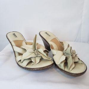 Born leather floral 3D flower wedge sandals